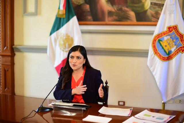 Rivera Vivanco comparte experiencias con jóvenes universitarios en materia de relaciones internacionales