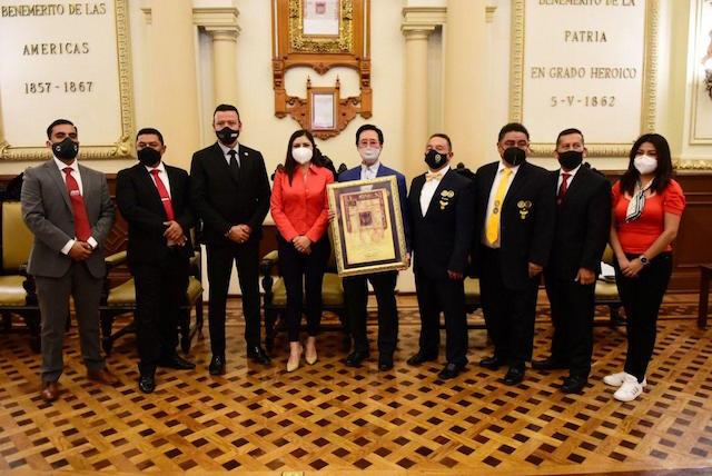 Padre del taekwondo en México distinguido con la Real Provisión a manos de la alcaldesa, Claudia Rivera Vivanco