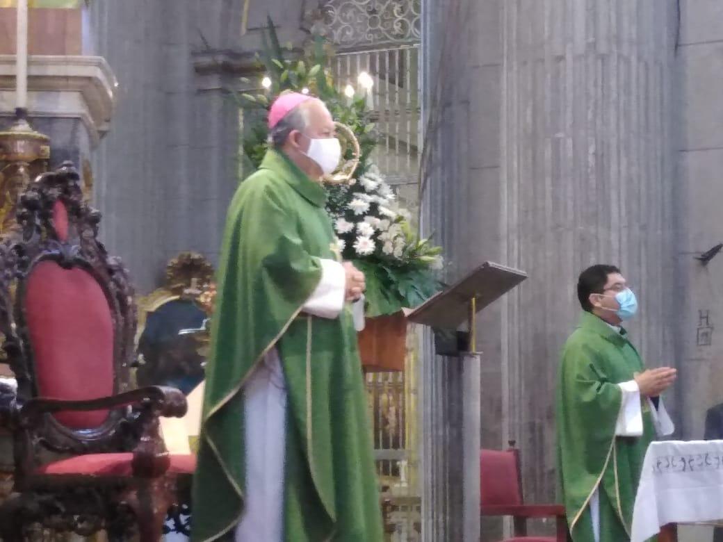 Condena Arzobispo de Puebla la legalización del aborto en la entidad