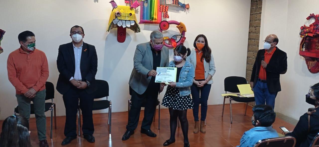 """Premia ITC a ganadores del concurso infantil de dibujo, pintura y literatura """"Mi familia en tiempos de pandemia"""""""