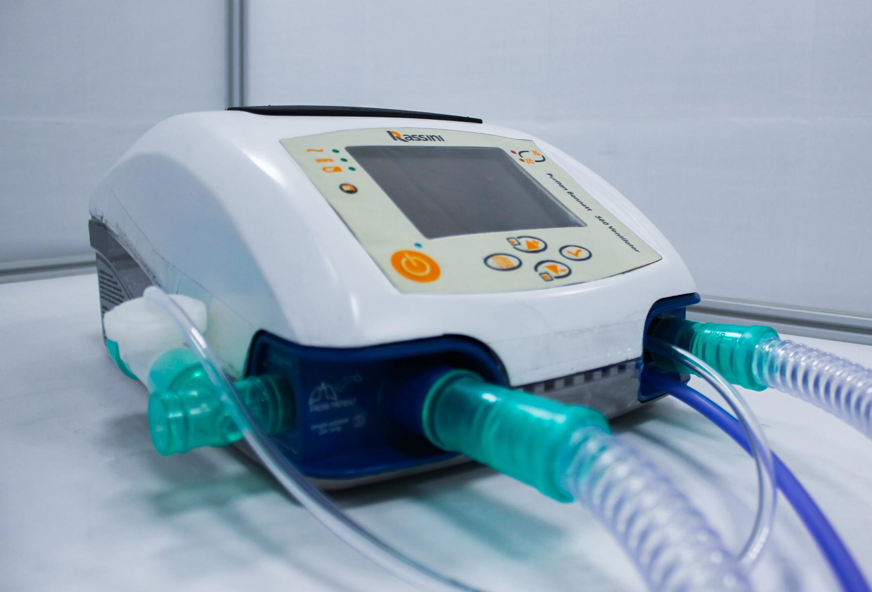 Egresados UDLAP contribuyeron al desarrollo de un ventilador para enfermedades respiratorias