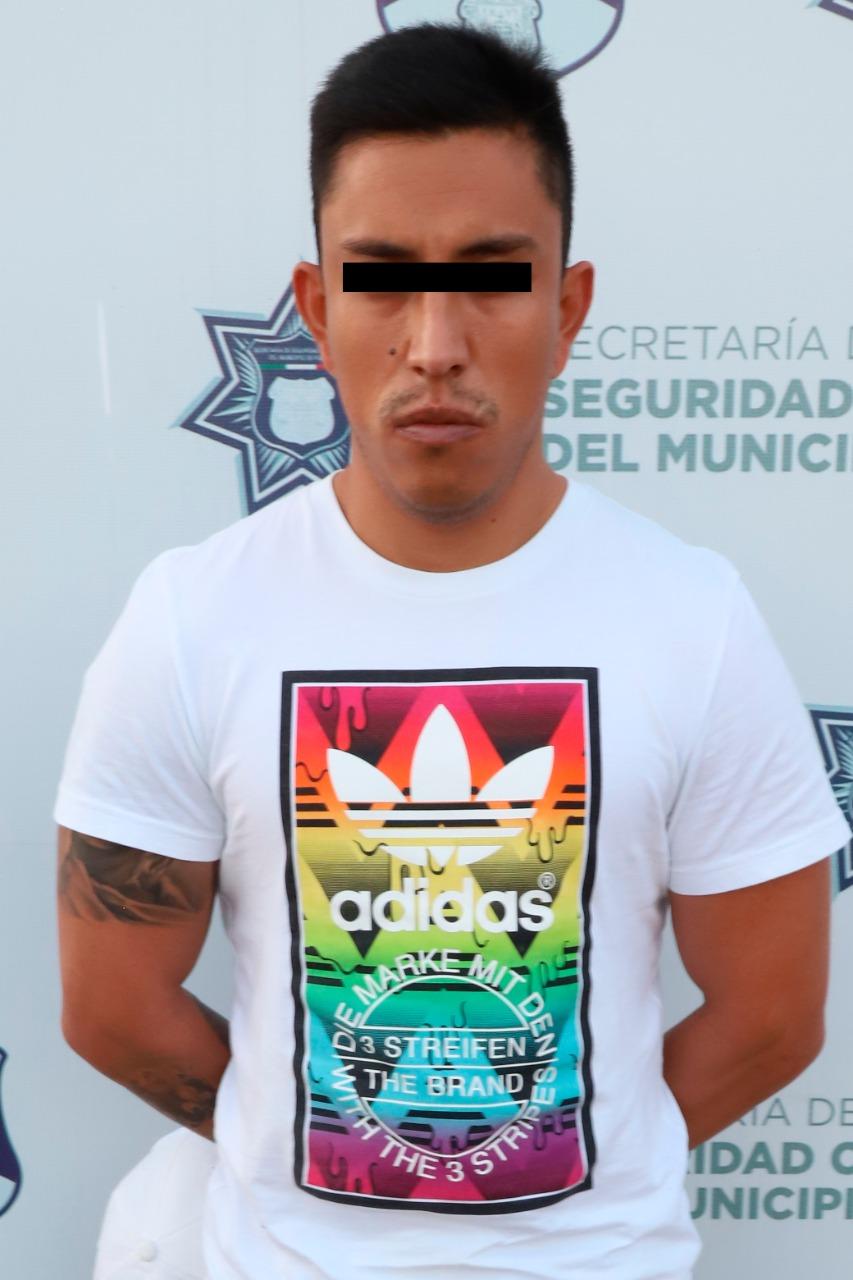 Recuperó Policía Municipal de Puebla un vehículo con reporte de robo; el conductor fue detenido.