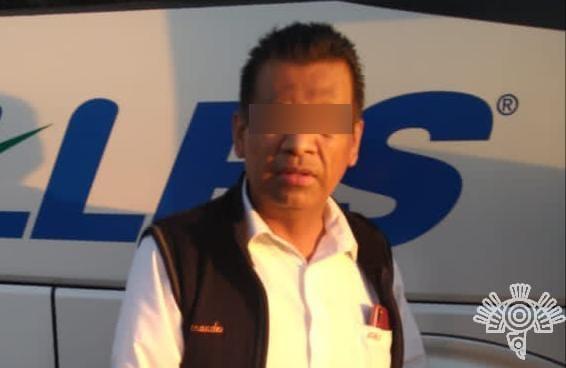 """Capturan policías estatal y de Tlacotepec a """"pollero"""" que trasladaba ilegalmente a 15 guatemaltecos"""
