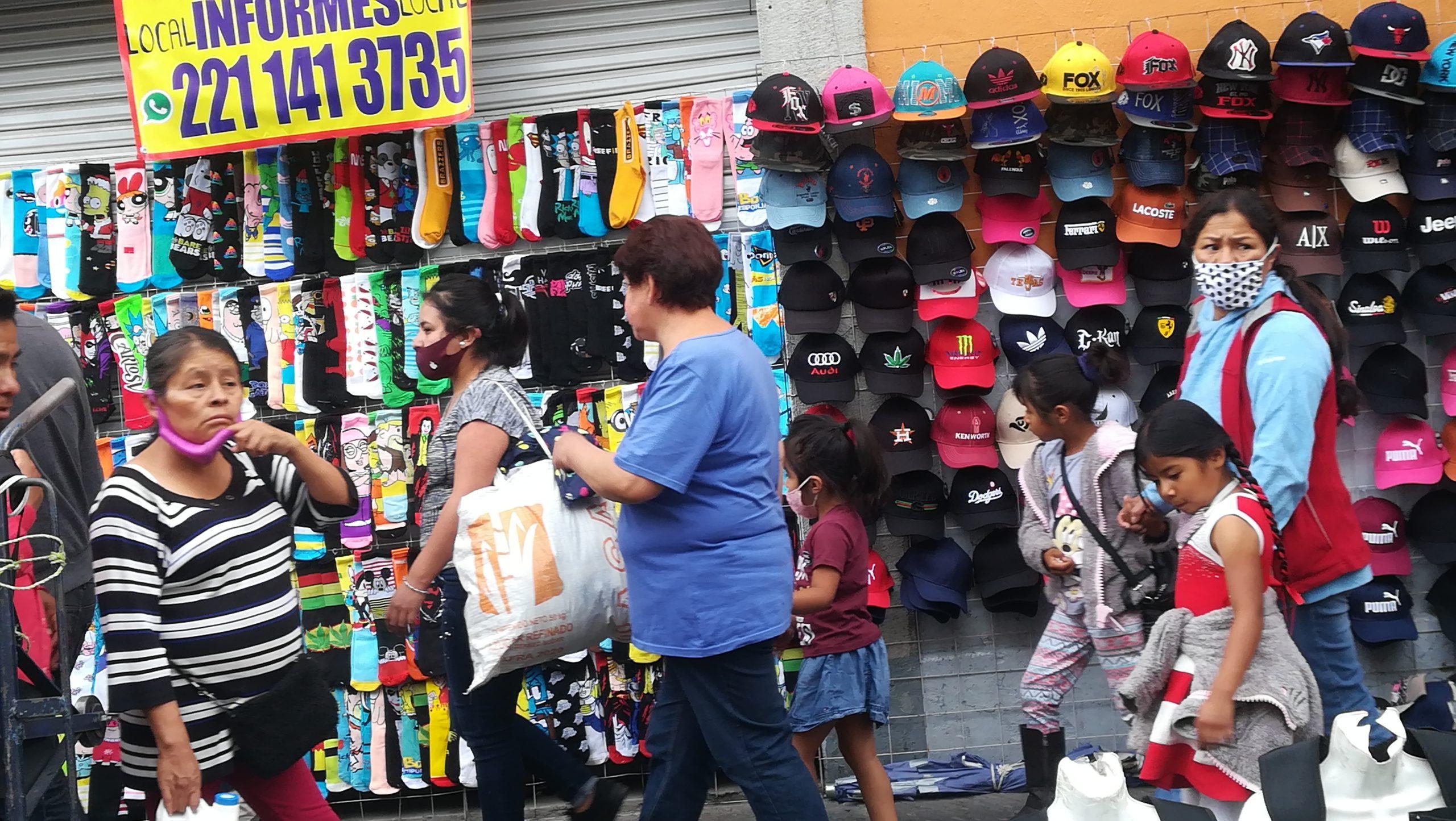 Ambulantes no respetan el Buen Fin y salen a las calles del Centro Histórico
