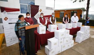 En Zoquitlán y Vicente Guerrero, SEDIF reparte paquetes alimentarios