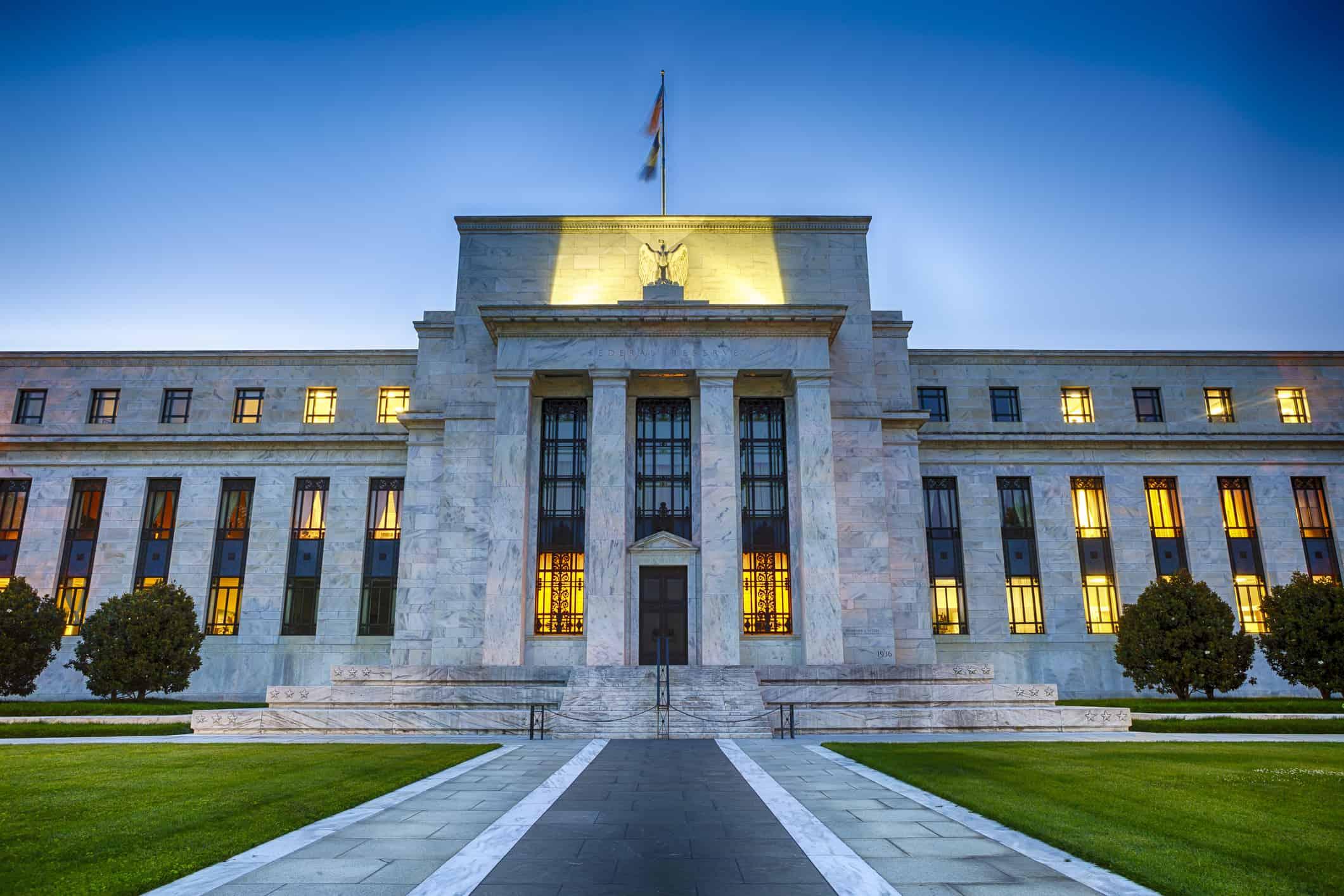 Esperan que la Fed aumente estímulos al mercado