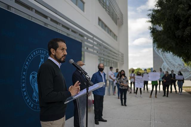 En la BUAP hemos redoblado esfuerzos que nos permiten salir fortalecidos: Alfonso Esparza Ortiz