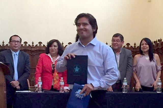Egresado de la Maestría en Educación Superior de la BUAP gana premio a Mejor Tesis de Calidad