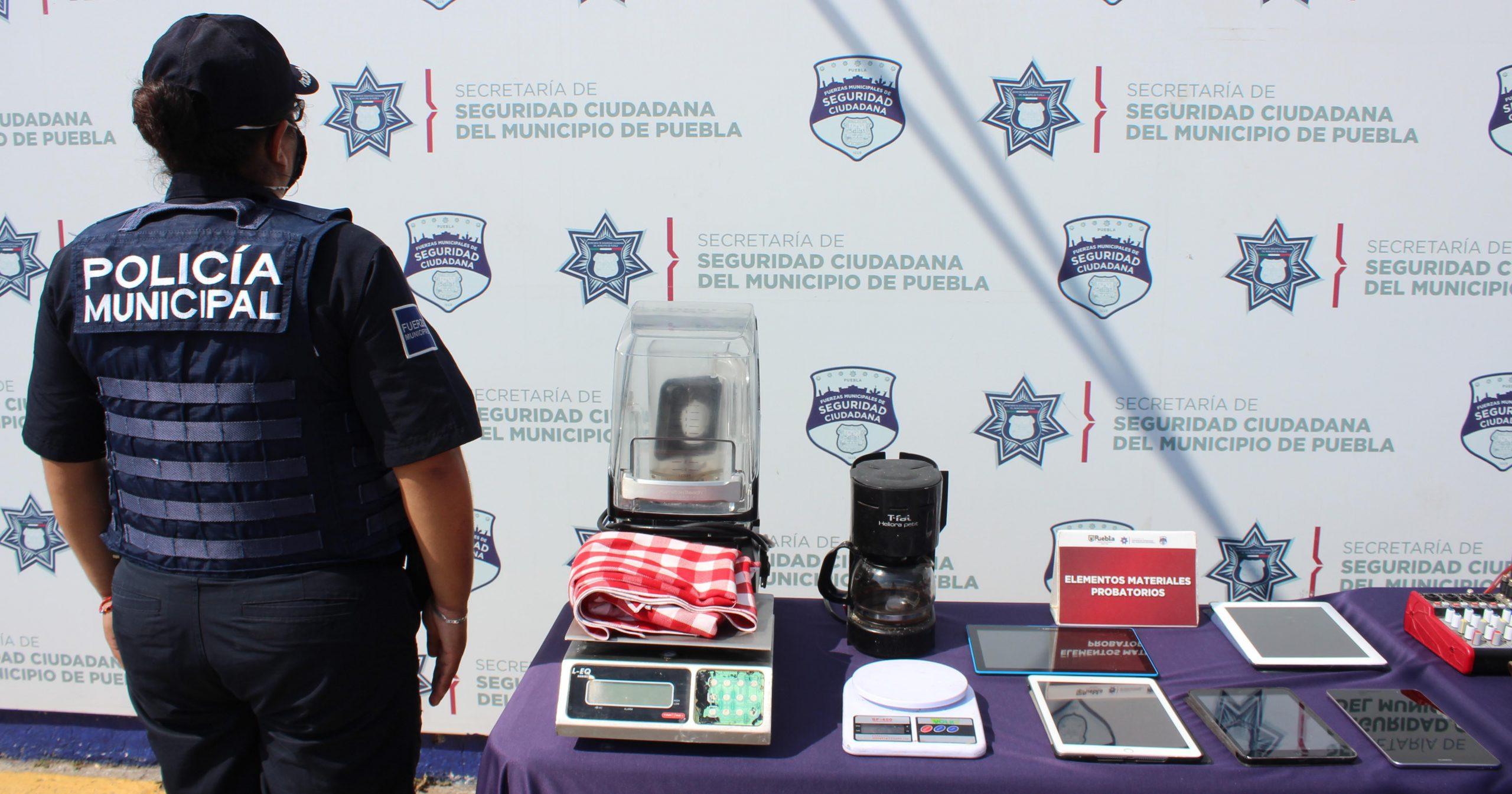 Exitosamente recuperó Policía Municipal de Puebla alrededor de 120 mil pesos en mercancía robada.
