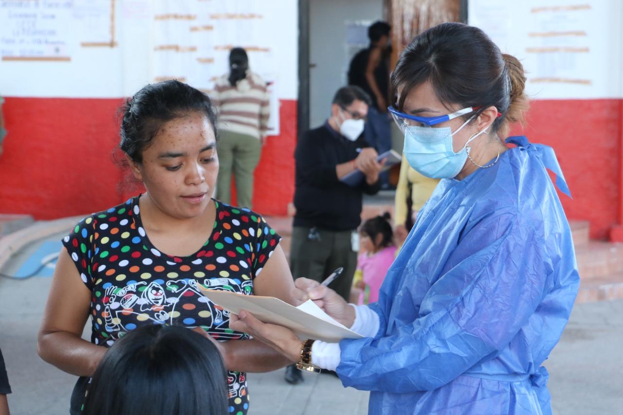 Beneficia SEDIF a habitantes de La Resurrección con servicios de salud
