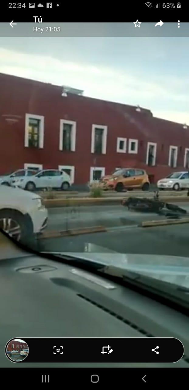 Fotonota y Video desde Puebla: Motociclista acusado de robar un celular fue muerto por un vehículo de la FGE