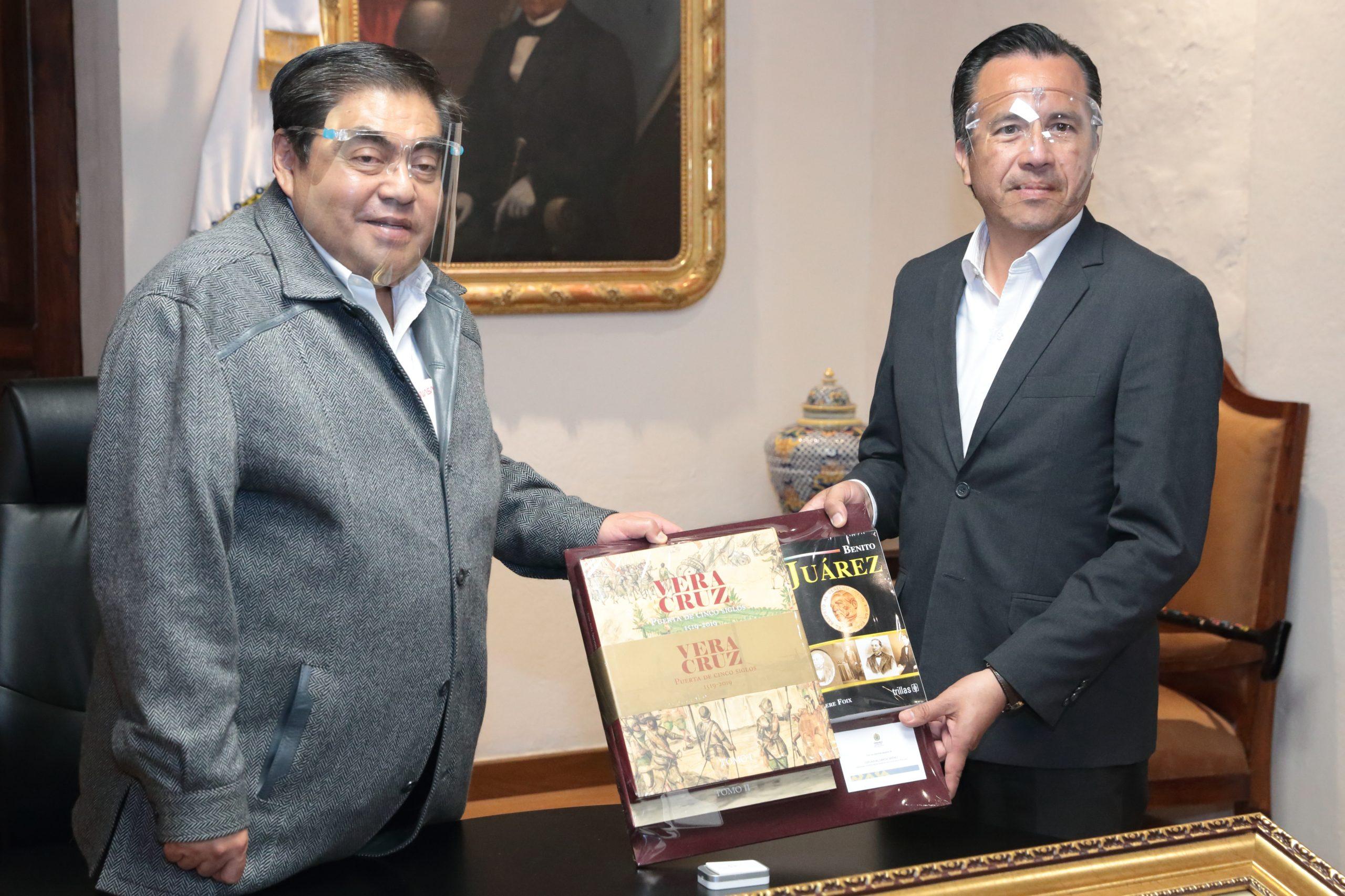 Fotonota: Gobernador Miguel Barbosa Huerta sostuvo un encuentro con su homólogo de Veracruz