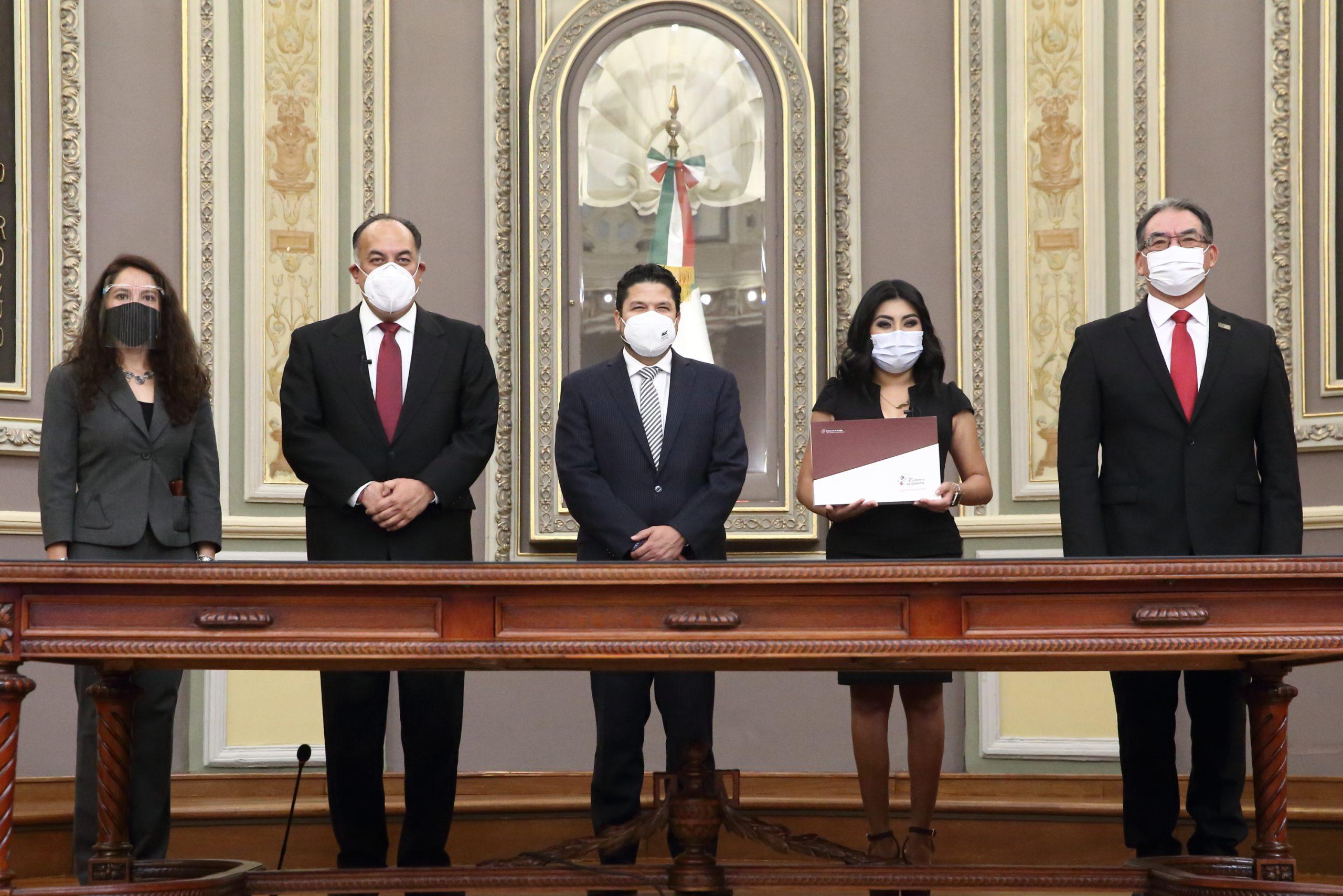 Video desde Puebla: Tiene el estado un gobierno democrático, subrayo Miguel Barbosa al entregar su segundo informe al Congreso del Estado