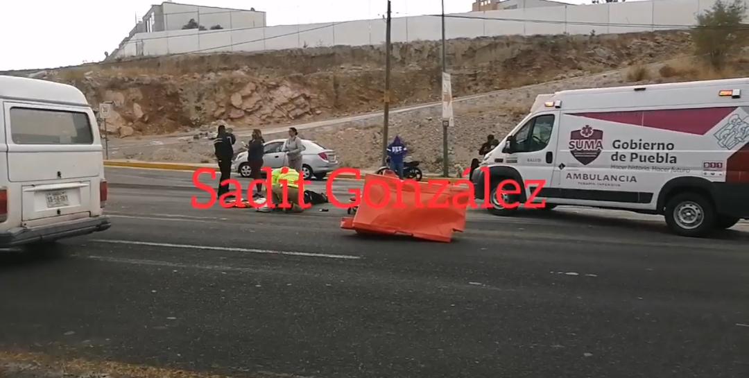 Motociclista es atropellado en Periférico tramo Bosques de Chapultepec