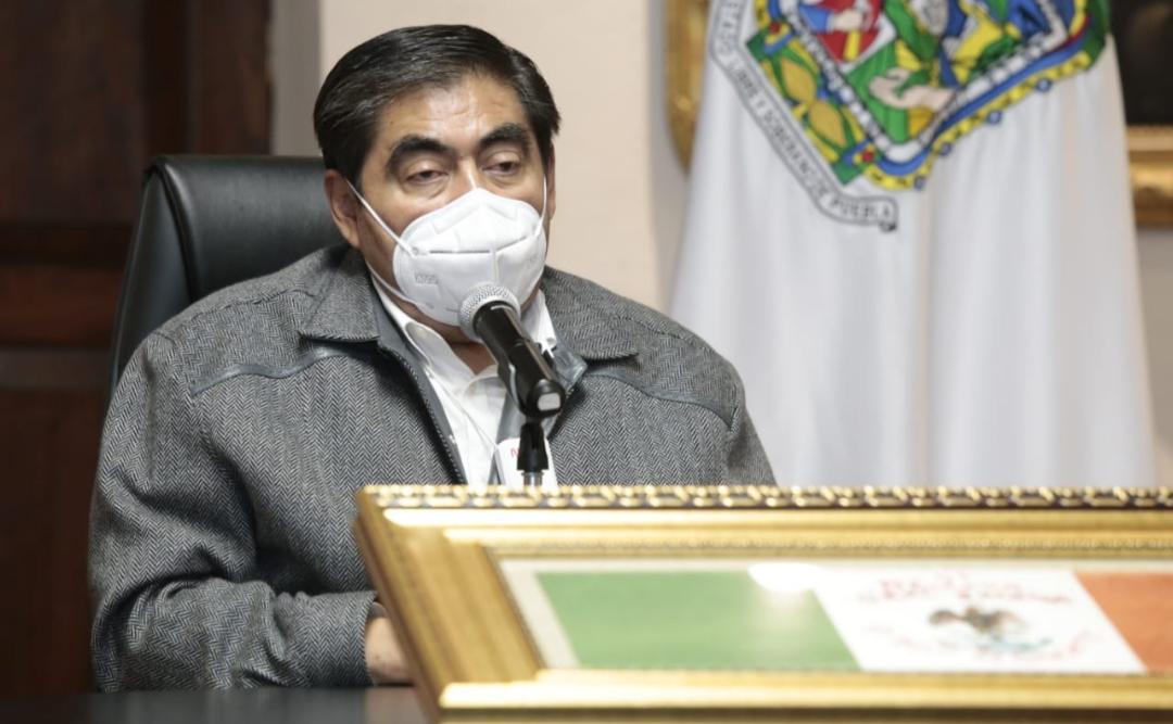 Video desde Puebla: Gobernador Barbosa pidió a grupos feministas evitar confrontaciones con el tema del aborto