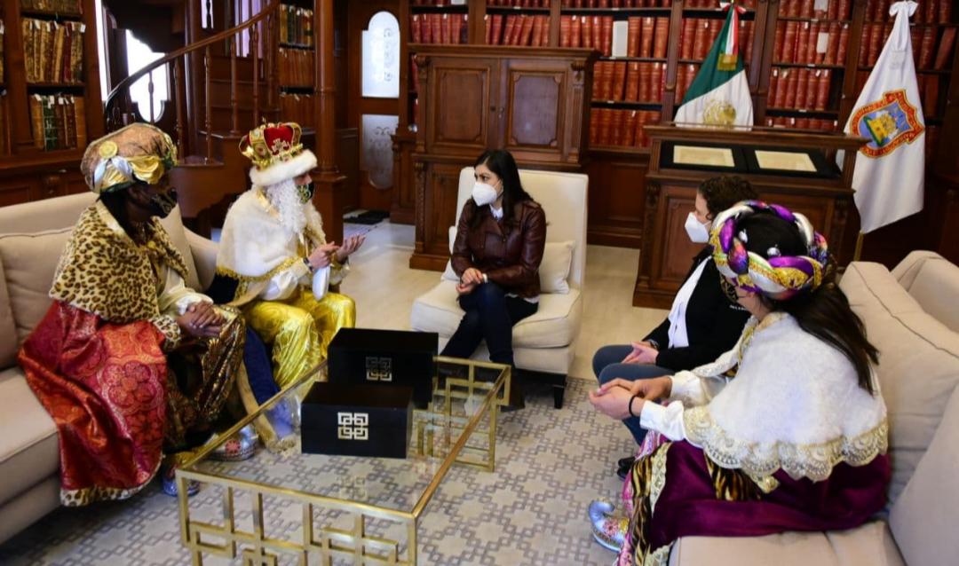 Reyes Magos vacacionan en la ciudad de Puebla