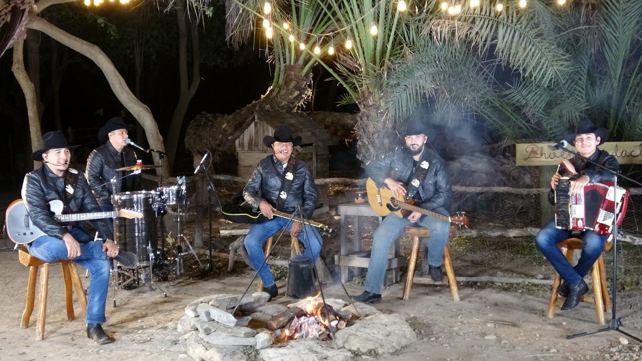 """Bronco transmitirá """"Un especial navideño"""" este 24 de diciembre a las 18:00 horas por su canal oficial de YouTube"""