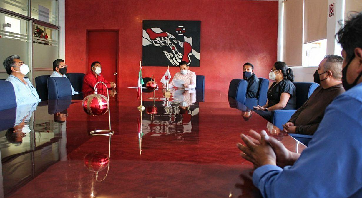 Gobierno Estatal apoya con servicio de transporte al personal médico del Hospital Cruz Roja Ciudad de Puebla