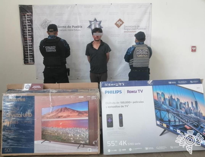 Por presunto fraude en ventas por Internet, Policía Estatal Turística detiene a dos personas
