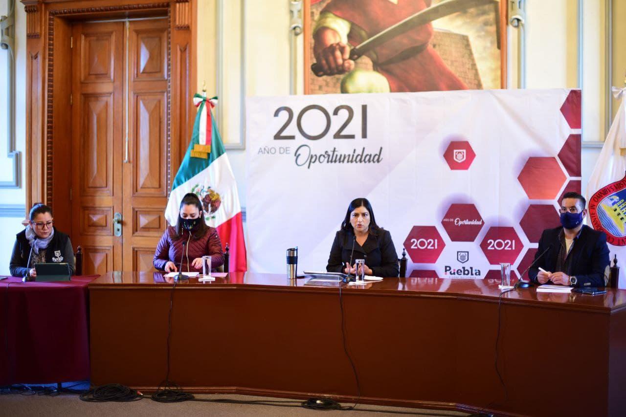Video desde Puebla: Gobierno de la Ciudad entrega apoyos funerarios y relleno de tanques de oxígeno por emergencia sanitaria