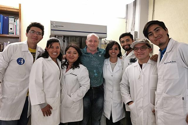 Desde la Universidad: Investigadores BUAP desarrollan biofertilizante que facilita el crecimiento de plantas y restauración de suelos