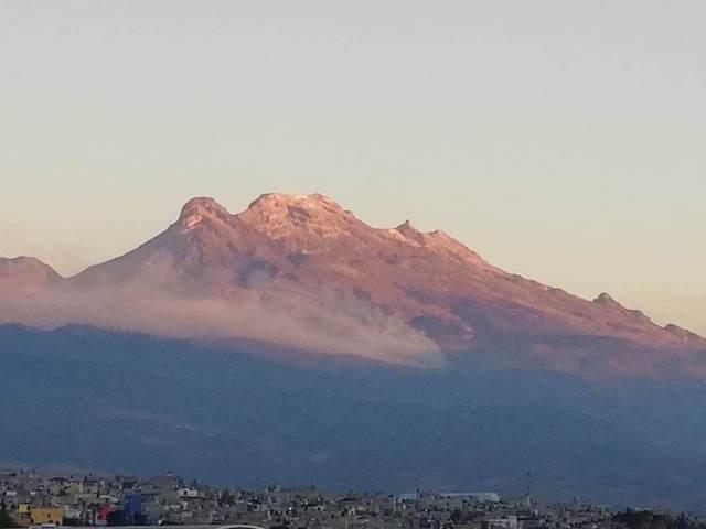 Incendio en Iztaccíhuatl, hasta el momento superficial