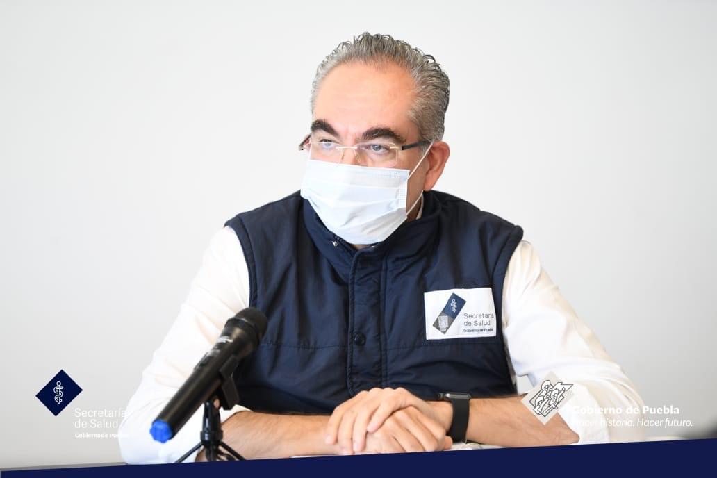 Siguen en aumento los fallecidos y contagios de Covid en Puebla; van 6 mil 868 muertes y 55 mil 307 contagios, informó Martínez García