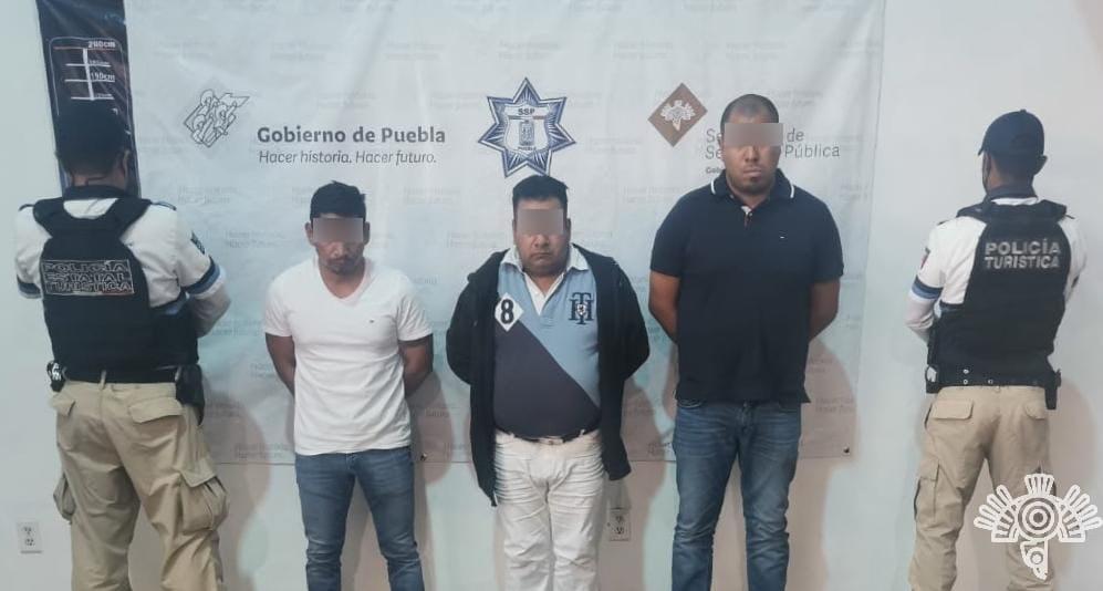 Captura Policía Turística a tres por presunto robo de tarjeta bancaria