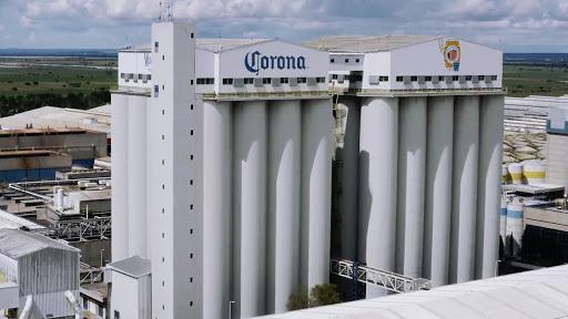 """""""El origen del brillo"""", un emocionante viaje jamás visto por la cervecería más grande del mundo para descubrir cómo nace el brillo de la más fina: CORONA"""