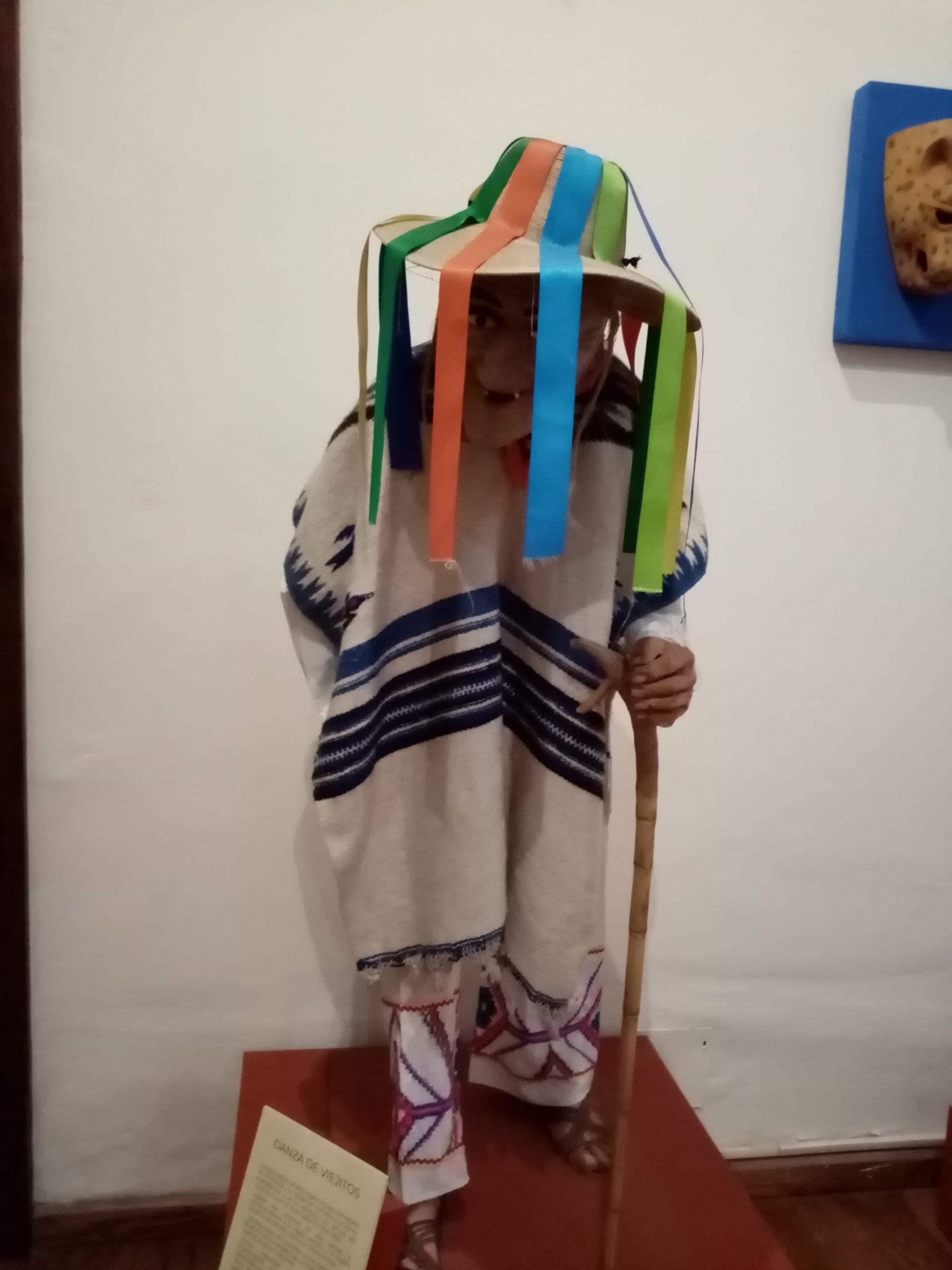 Danza de los viejitos en el Museo Nacional de la Máscara
