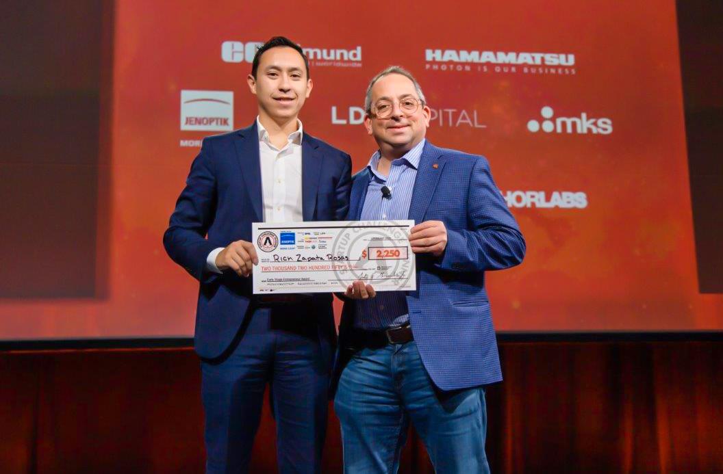 Egresado UDLAP obtuvo premio en la competencia más importante de startups en Suecia y ahora celebra más éxitos con su empresa Lucero