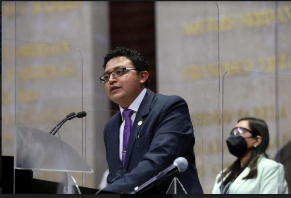 Pide Edgar Guzmán subsidios económicos para las y los artistas, creadores culturales y músicos de Puebla