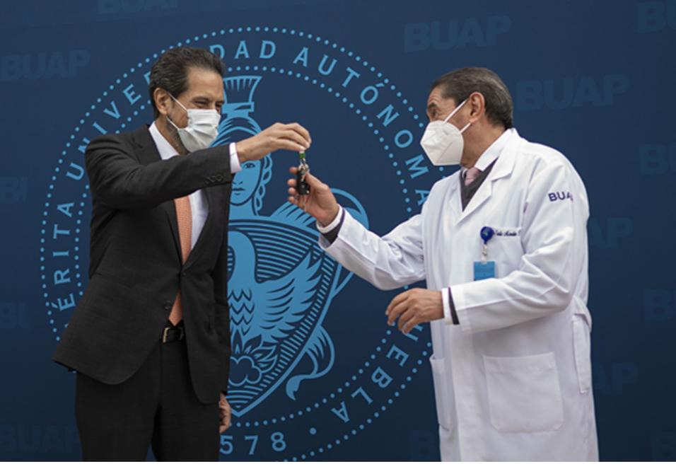 Recibe BUAP en comodato ambulancia del Ayuntamiento de Puebla