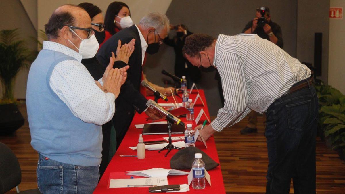 Se registra Ernesto Gándara como precandidato del PRI al Gobierno de Sonora