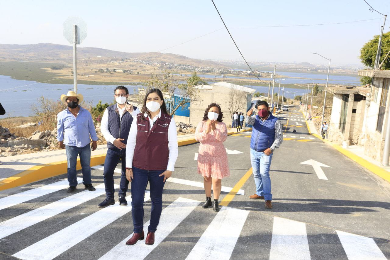 Ayuntamiento de Puebla inaugura calles en Santa María Guadalupe Tecola