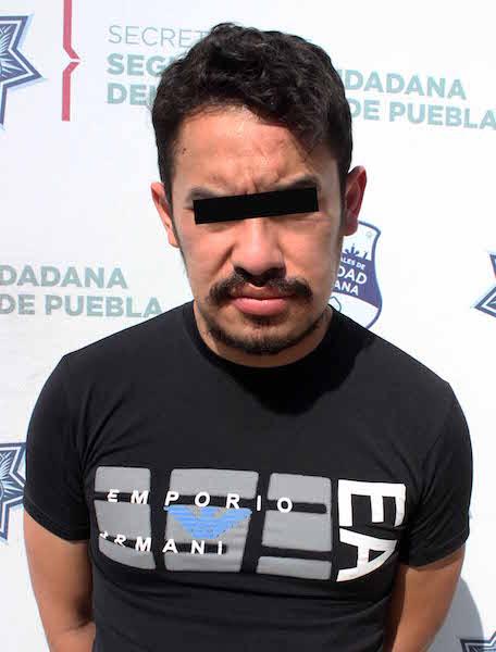 En la región sur, detuvo policía municipal de Puebla a hombre por portación ilegal de arma de fuego