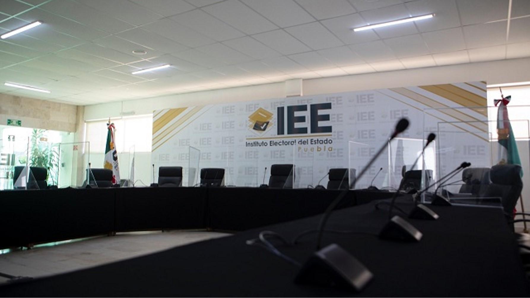 Designa IEE 1,304 personas como Consejeras y Secretarias en los 217 Consejos Municipales