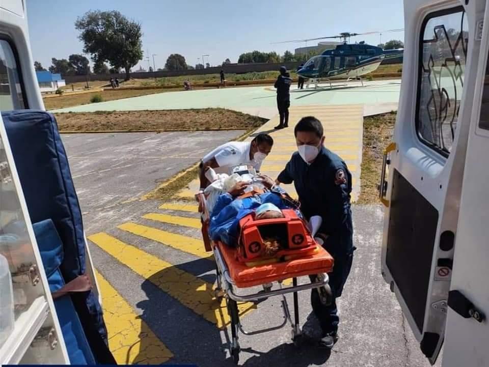 Fotonota: Helicóptero de Suma lleva al Hospital de la Mujer a embarazada de Metlaltoyuca, en el municipio Francisco Z Mena