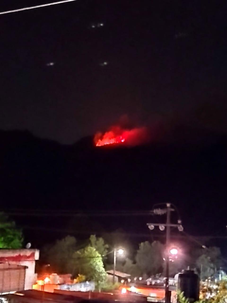 Fotonota: Reportan incendio forestal en Huauchinango