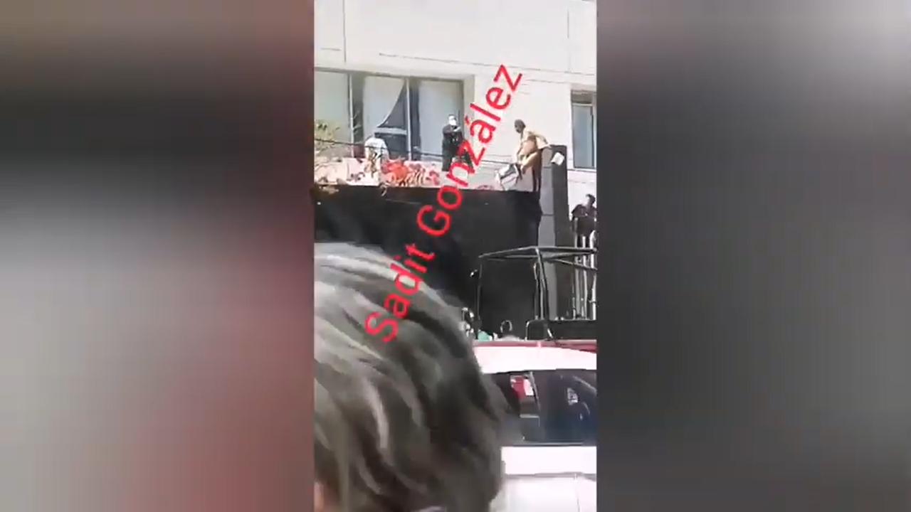 Video desde Puebla: Paciente con Covid intenta fugarse de hospital en Puebla