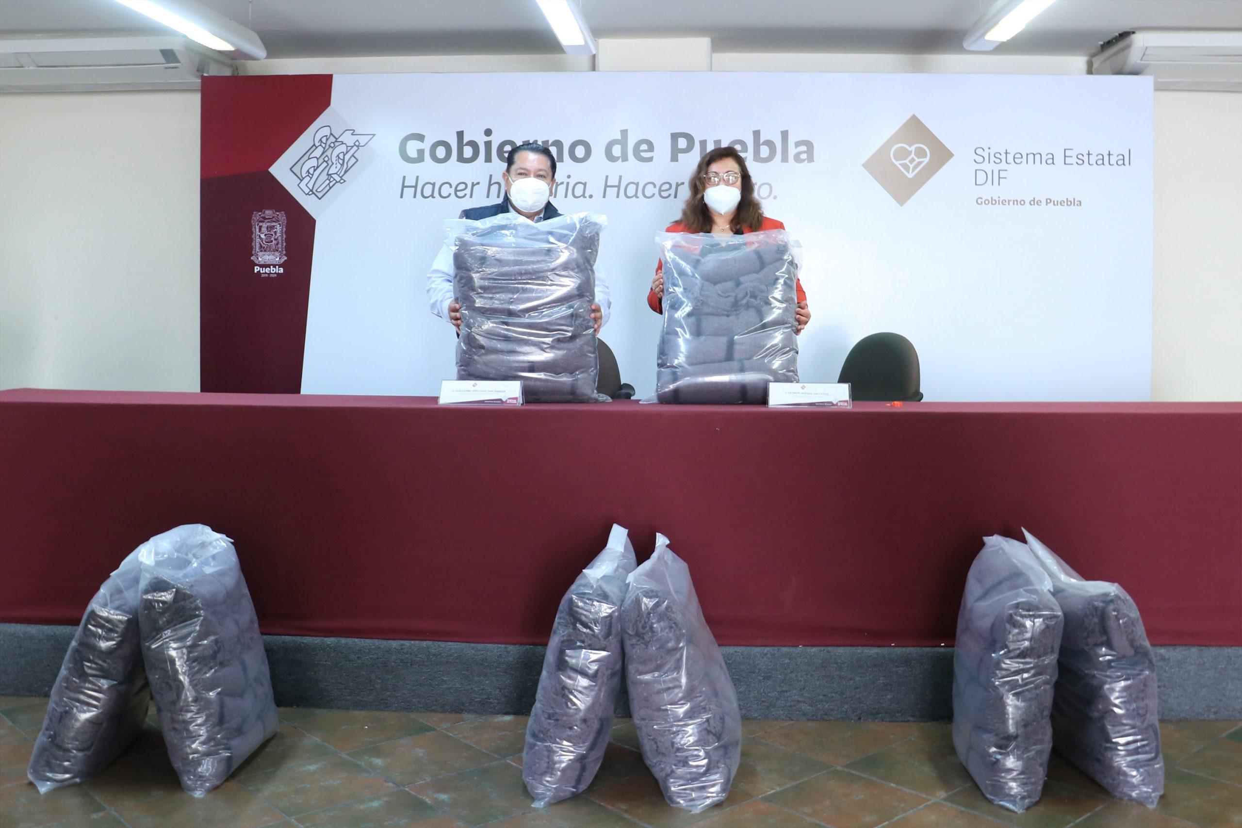 Dona Secretaría de Movilidad y Transporte cobertores al SEDIF para grupos vulnerables