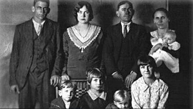 La familia Lawson: La masacre navideña – video