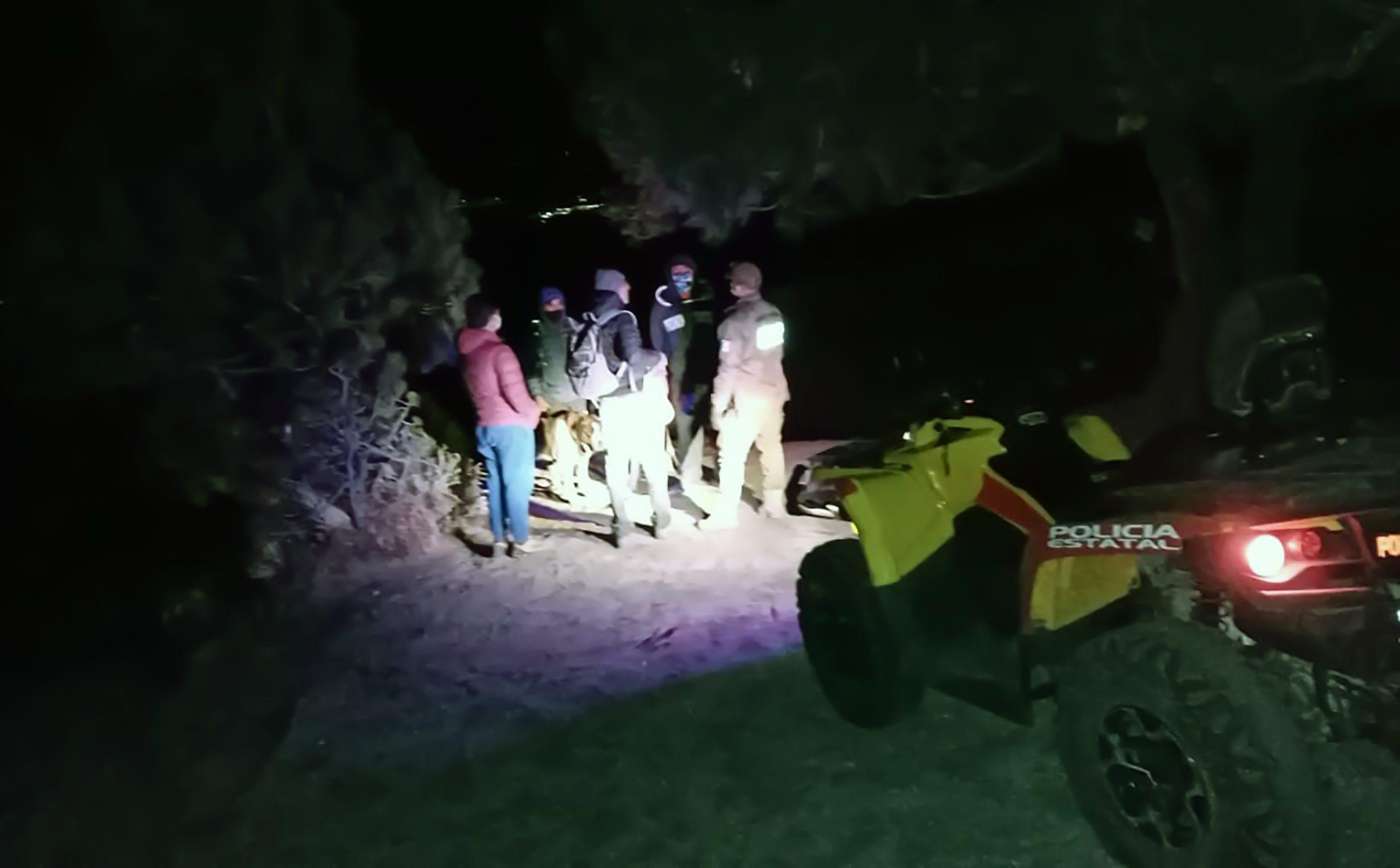 Desde Tlaxcala : Policía de Montaña apoya a una familia en la Malinche