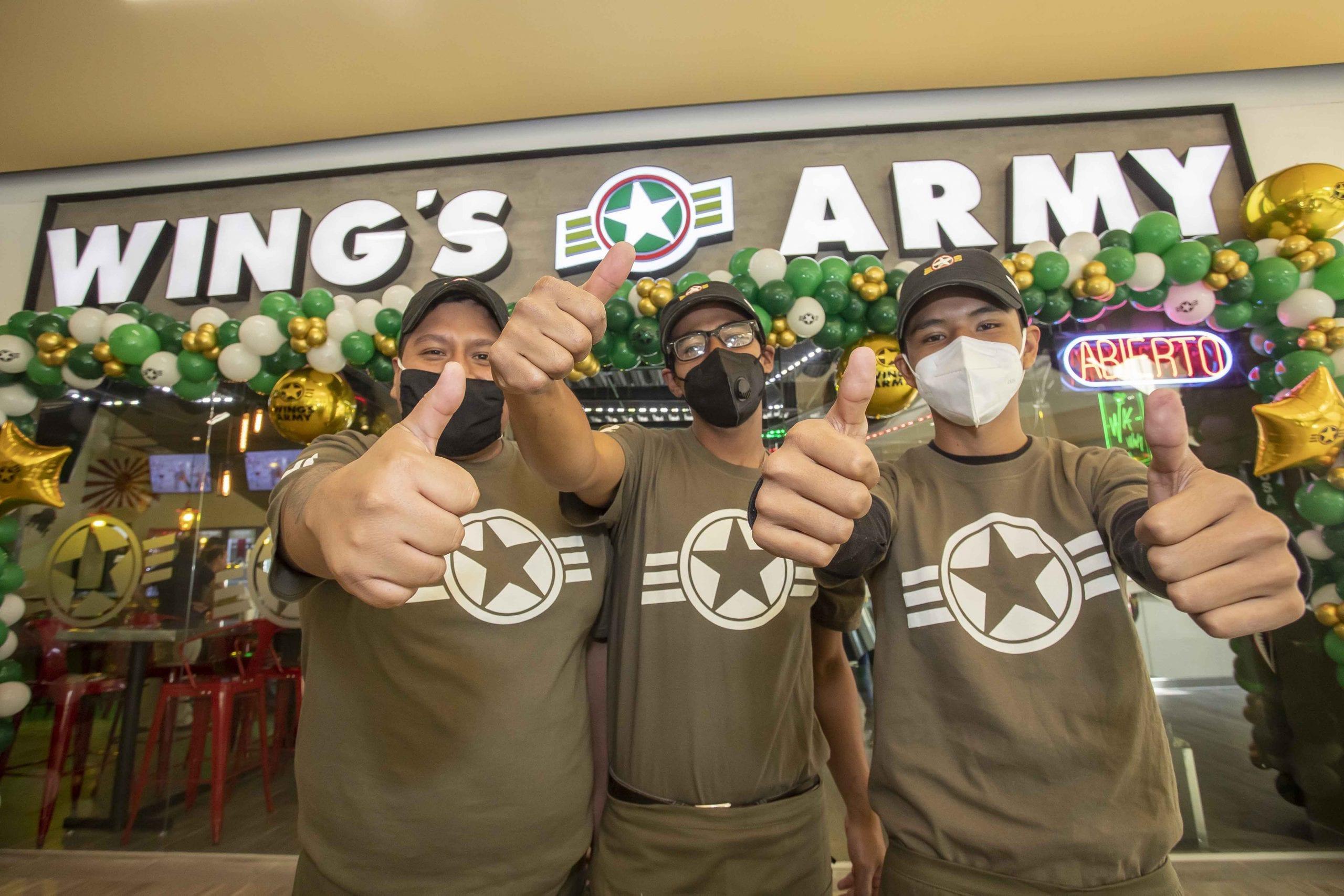 """Inaugura Sedeco restaurante """"Wing's Army"""" en parque vértice"""