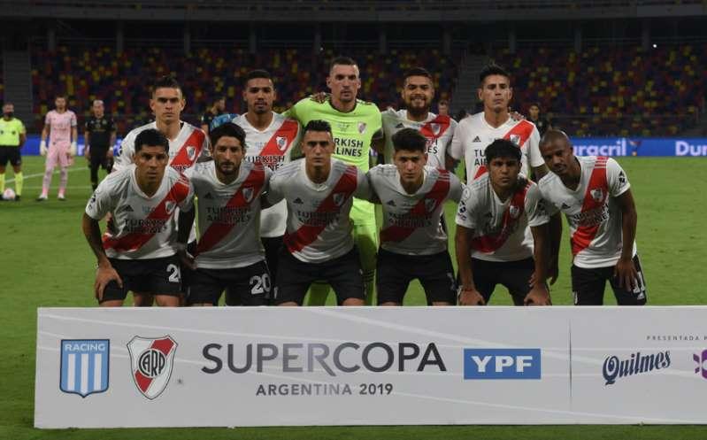 River Plate aplasta a Racing y conquista la Supercopa Argentina