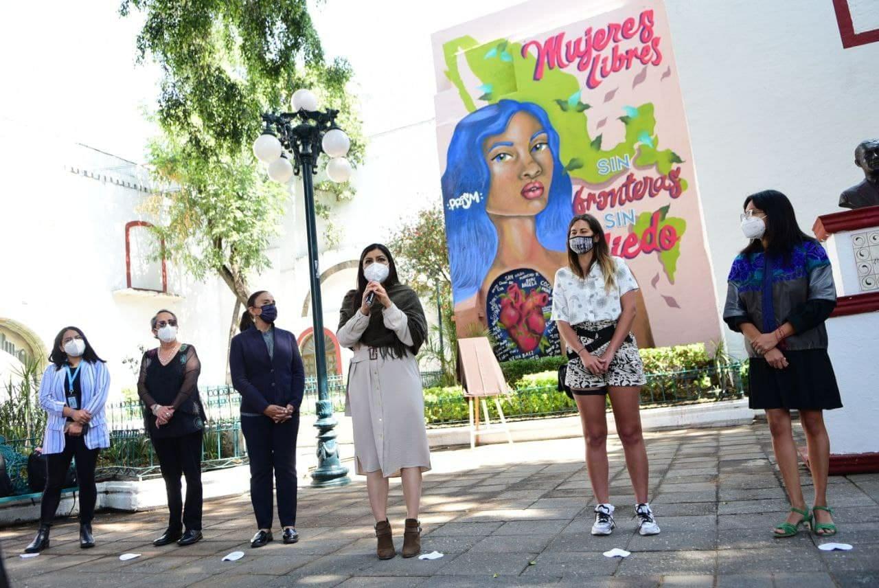 Ayuntamiento de Puebla inaugura mural hecho por mujeres poblanas y refugiadas