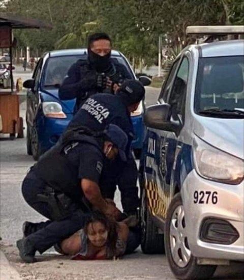 Policía de Tulum, Quintana Roo, acusada de brutalidad por la muerte de una mujer salvadoreña cuando era detenida
