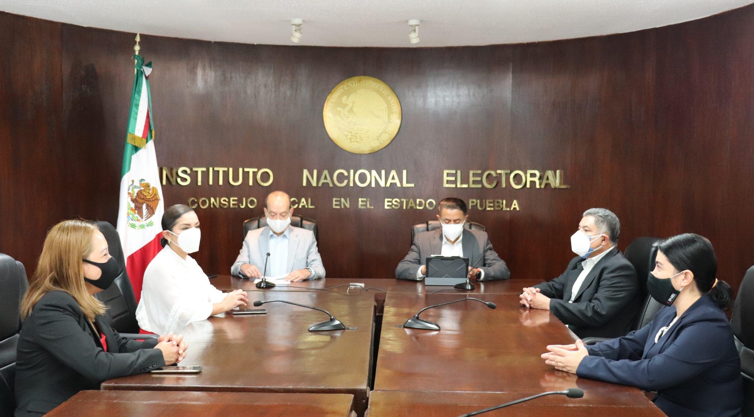 Otorgan Certificación ISO 9001:2015 a módulos  de atención ciudadana del INE Puebla