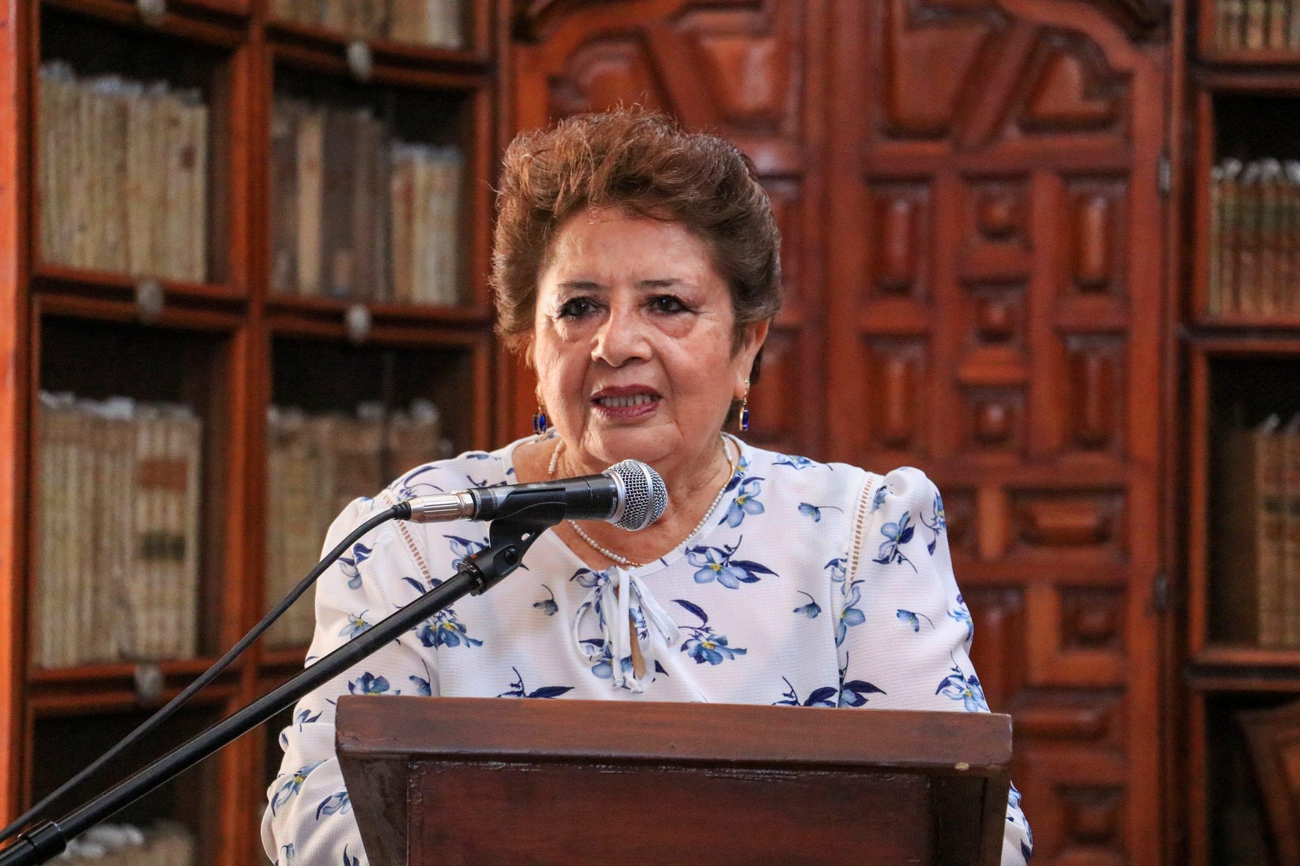 Reconoce Gobierno del Estado a promotora cultural de Atlixco