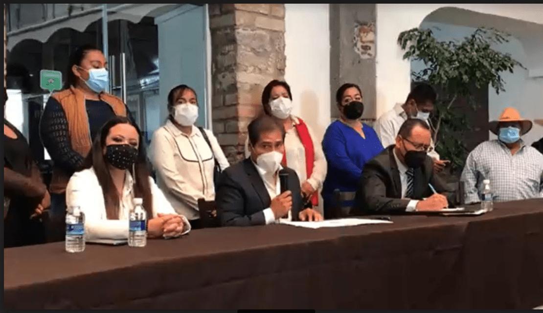Genoveva Huerta ha traicionado al PAN al coludirse con Ignacio Mier Velasco para que Morena gane en Tecamachalco, acusó Inés Saturnino López